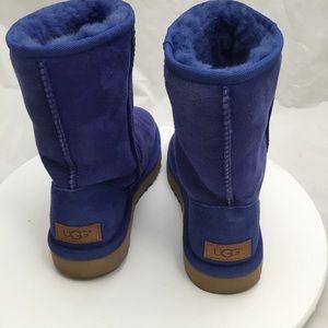 UGG Shoes - UGG Classic Short II Royal Blue size 6 fits a 7